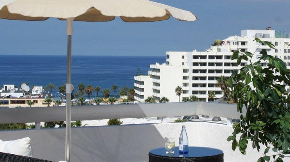 ТЕРРАСА-СОЛЯРИЙ НА КРЫШЕ Hotel Coral Suites & Spa