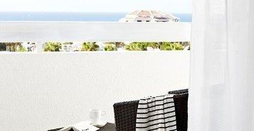 НОМЕР ПОЛУЛЮКС С ВИДОМ НА БАССЕЙН Hotel Coral Suites & Spa