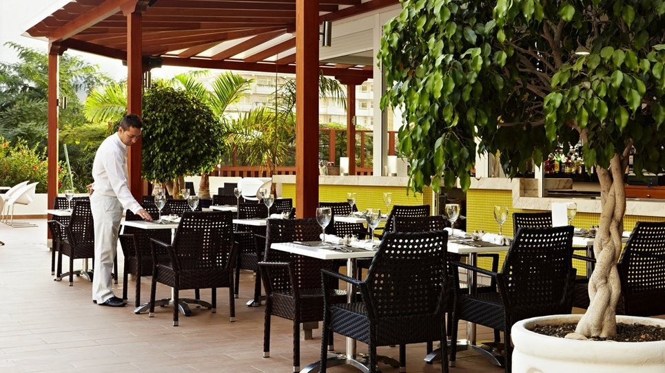БАР У БАССЕЙНА Hotel Coral Suites & Spa